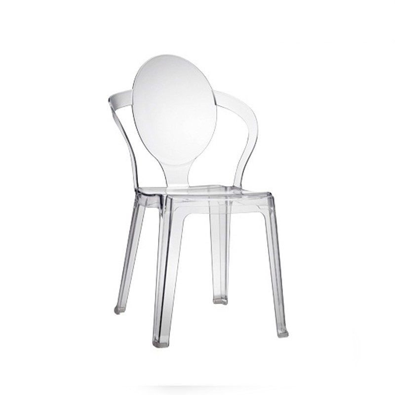 chaise rouge translucide